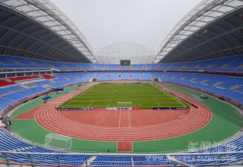 北京工人体育场草坪足球场